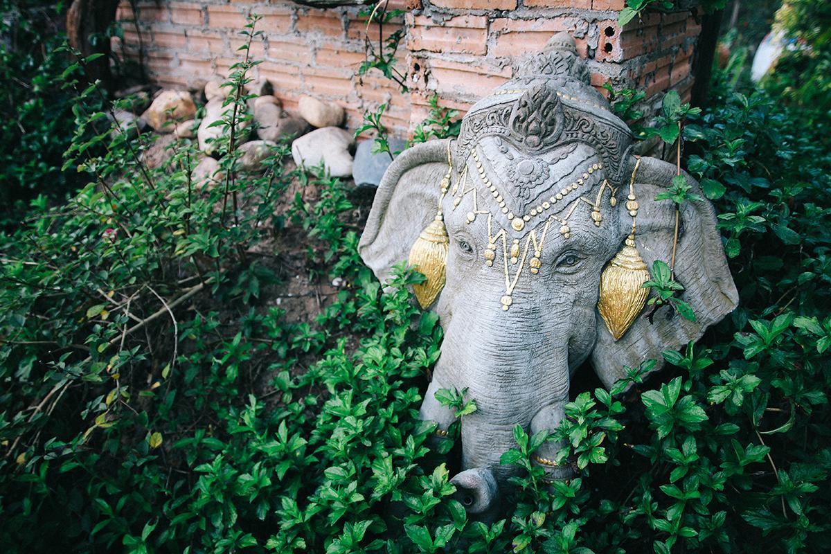 Yoga Retreat in Thailand - inspirierende Deko inmitten des Dschungels von Pai