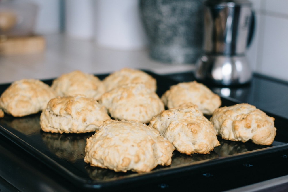 Vegane Brötchen ohne Weizen sind schnell selbst gebacken mit diesem Rezept