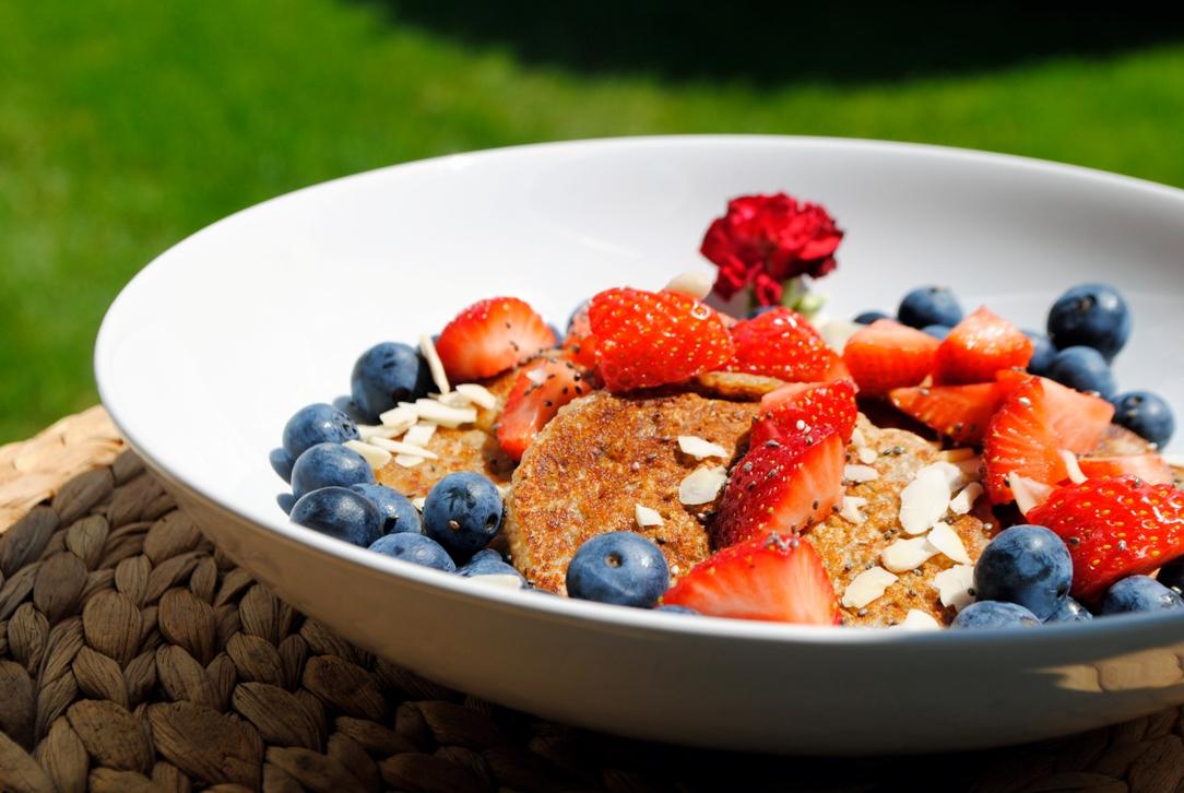Rezept für günstige und schnell gemachte vegane Pancakes
